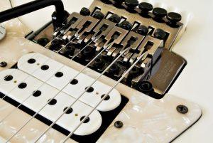Ajustes mecanicas de guitarra luthier